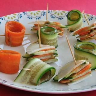 רולים של ירקות במילוי ממרח אגוזים