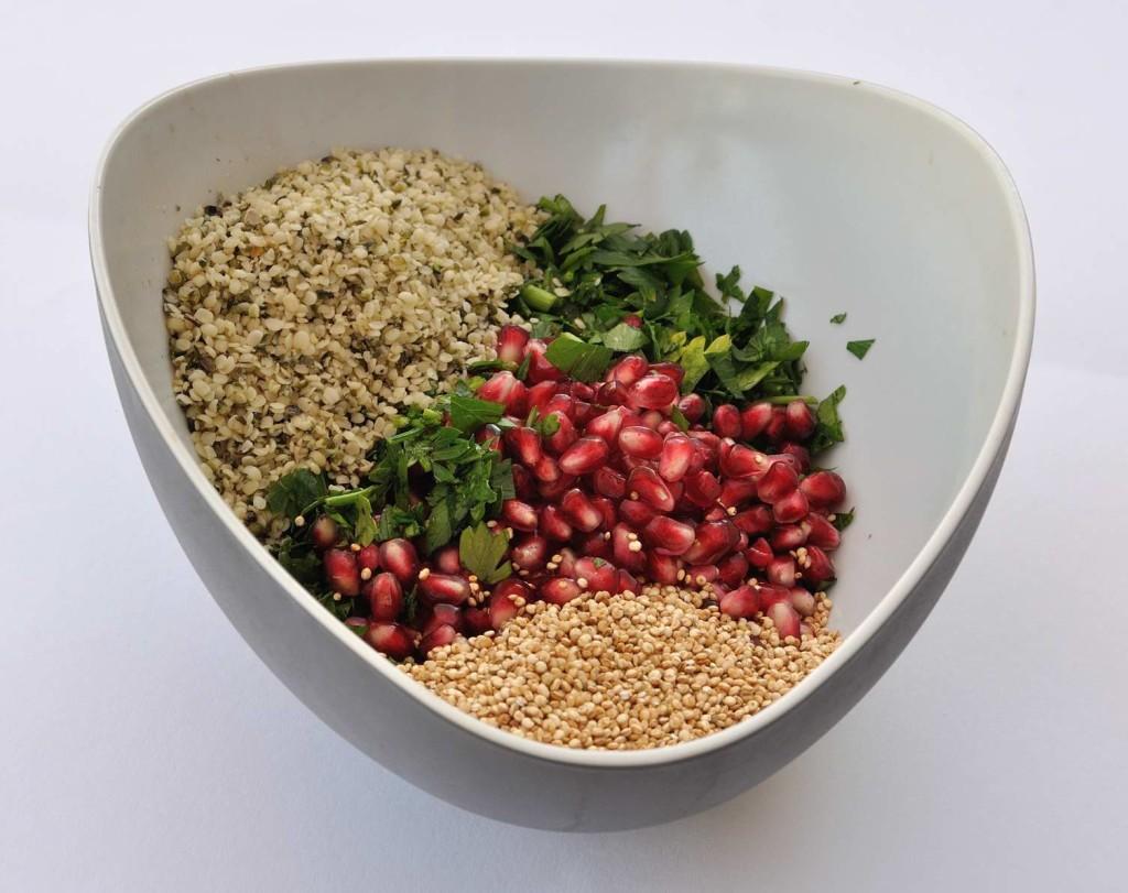 סלט טבולה זרעי המפ משודרג (ללא גלוטן)