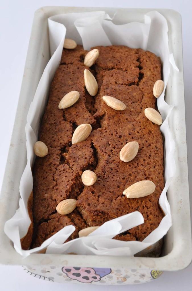 Vegan (one bowl!) almond coffee maple cake