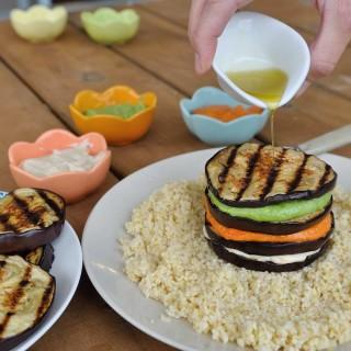 גבינת קשיו בשלושה טעמים וצבעים (פלוס פרוסות חצילים!)