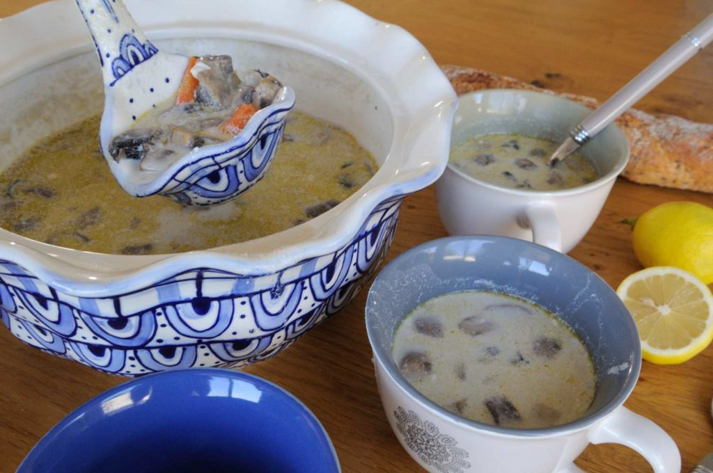 Jerusalem Artichoke And Mushrooms Soup (Vegan)