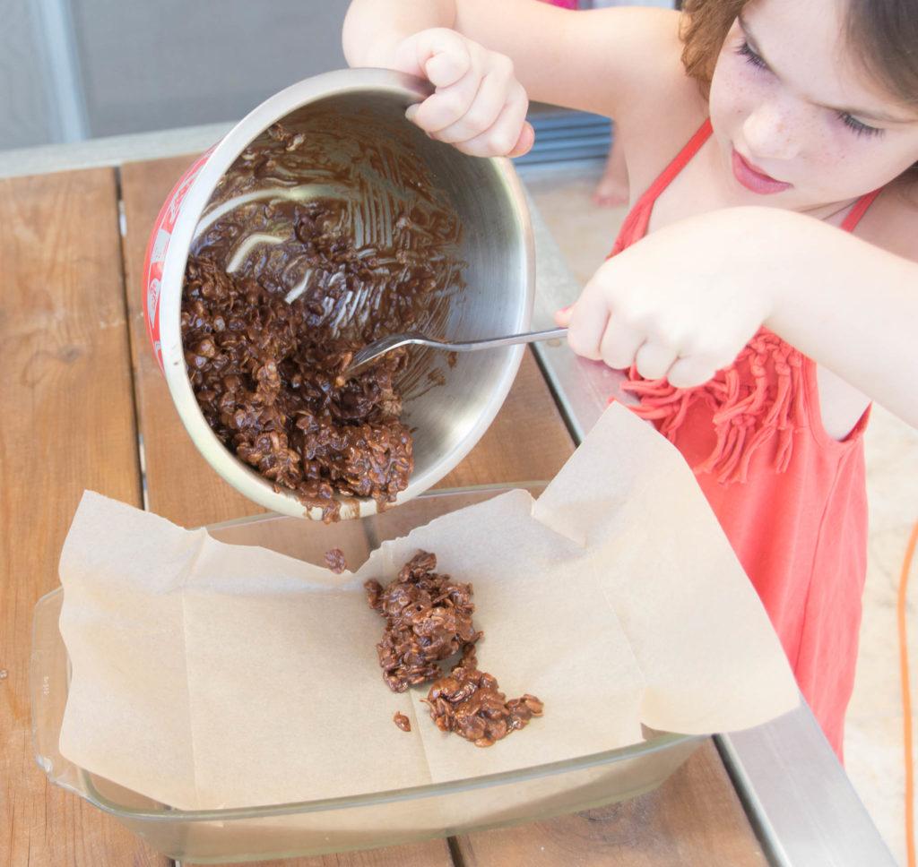 """חטיפי שוקולד """"נוטלה"""" ופצפוצי אורז"""